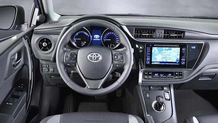 Toyota Auris_13