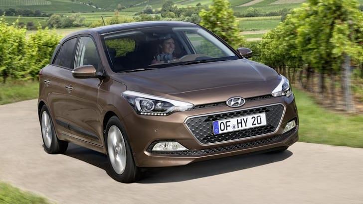 2015-Hyundai-i20-1
