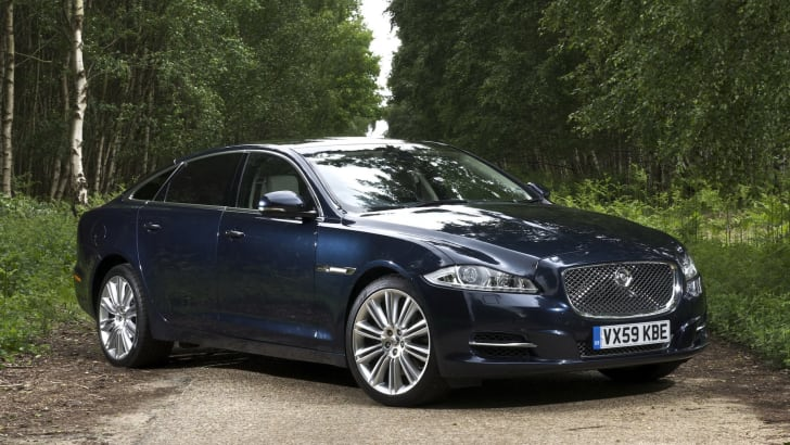2013 Jaguar XJ static forest