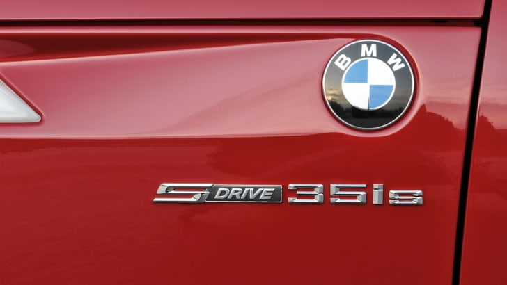 2011-BMW-Z4-sDrive35is-Photos-and-Details-149787934
