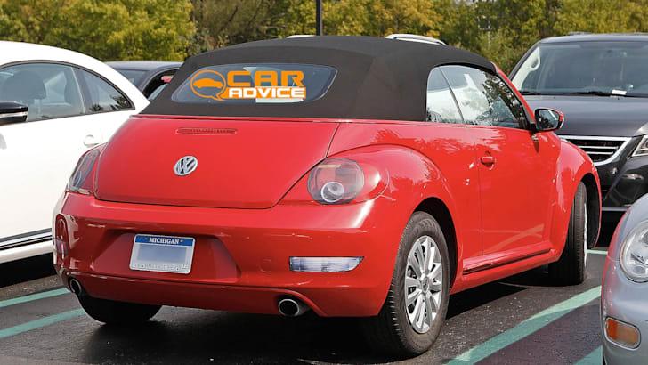 Volkswagen Beetle Cabriolet - 2