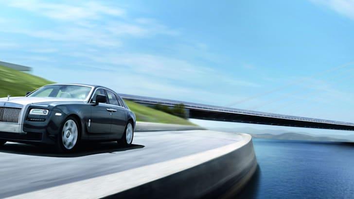 Rolls-Royce-Ghost-longshot