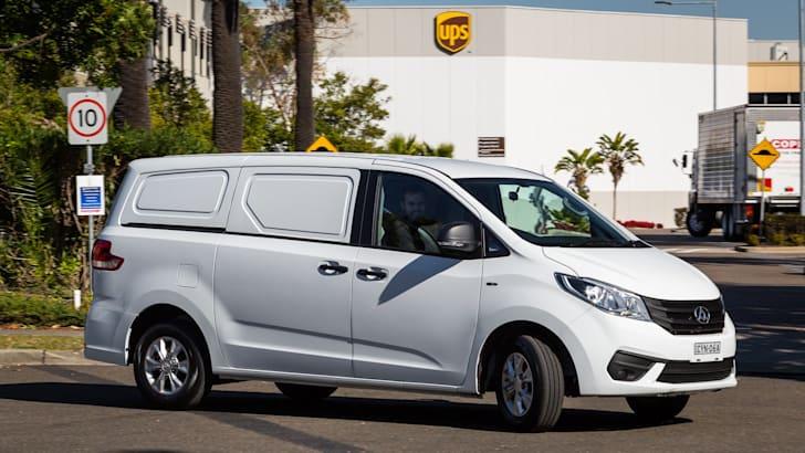 2015-ldv-g10-van-15
