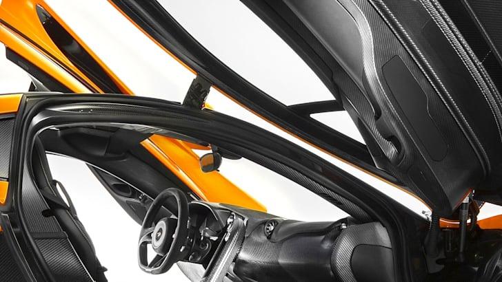 McLaren P1 Interior - 1