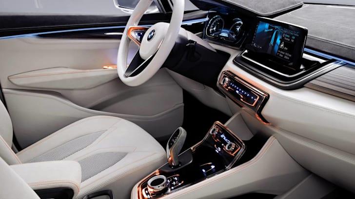 BMW Concept Active Tourer dash lores