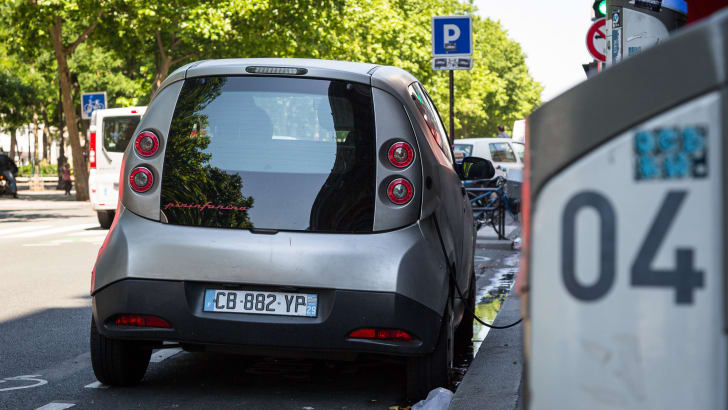 ev-car-share-paris-autolib-2015-05