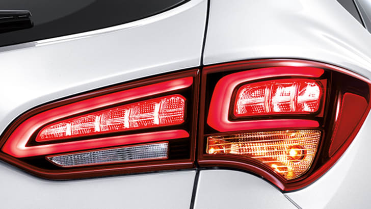 hyundai-santa-fe-facelift-taillights