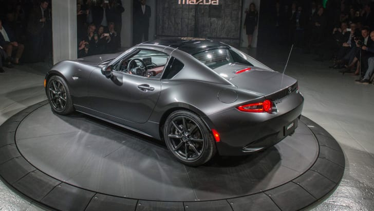 2016_mazda_mx-5-rf_new-york_live_15