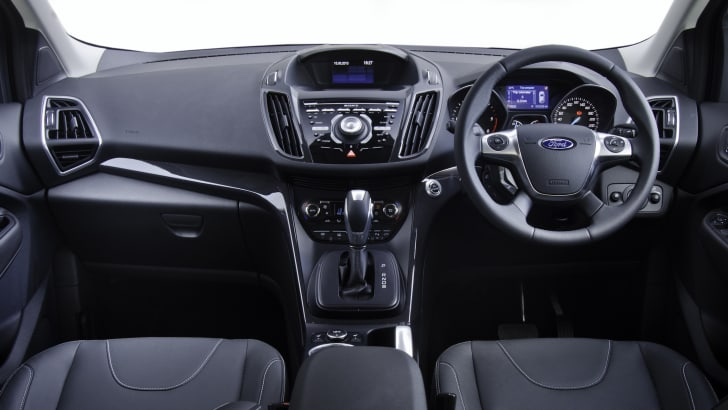 Ford_Kuga_TF_Titanium_dashboard