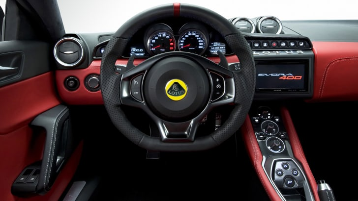 lotus-evora-400-dash