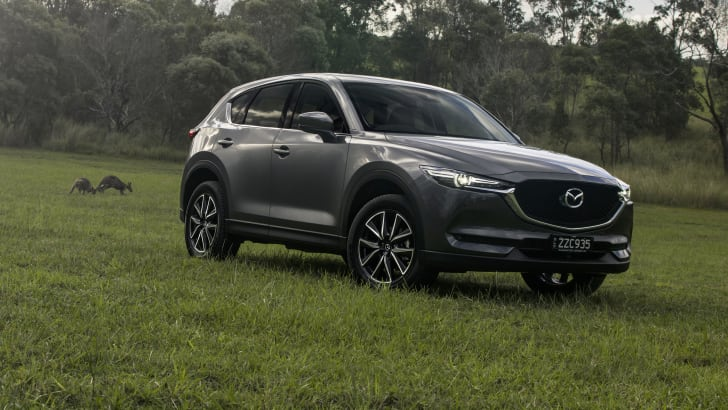 2017_mazda_cx-5-gt_review_01a