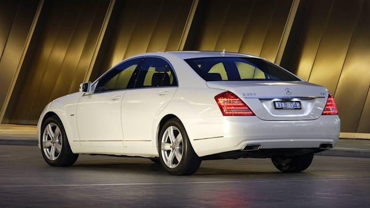 2009-Mercedes-Benz-S-Class-13