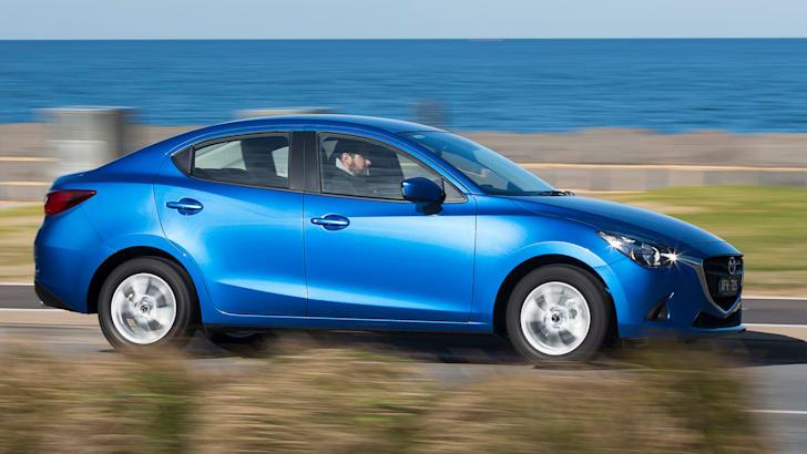 2016-Mazda-2-Sedan-8