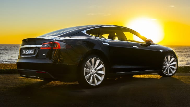 tesla-models-85-apr2015-8