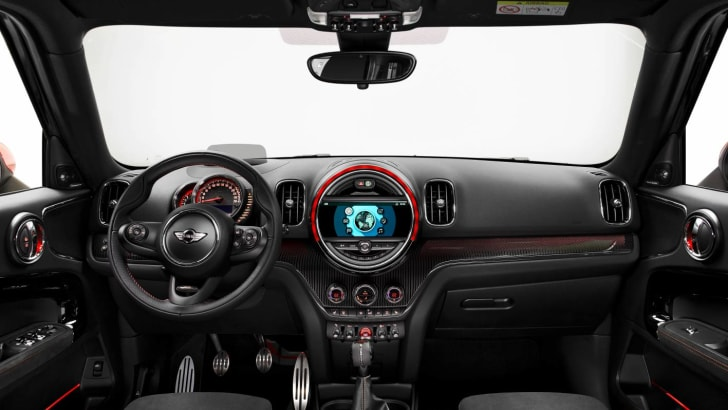 2017_mini_countryman_jcw_john-cooper-works_04