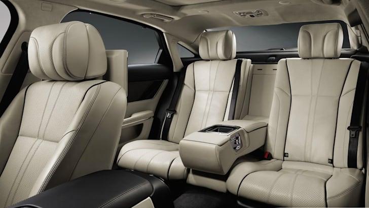 Jaguar XJ4