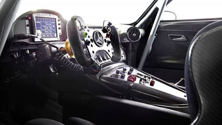 mercedes-amg-gt3-leak-interior