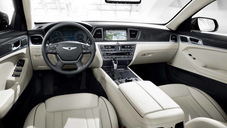 2015-Hyundai-Genesis-Sedan-interior