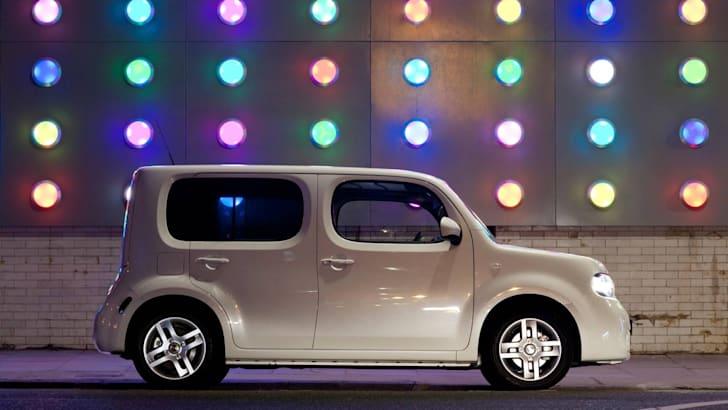 2010_Nissan_Cube_file_103