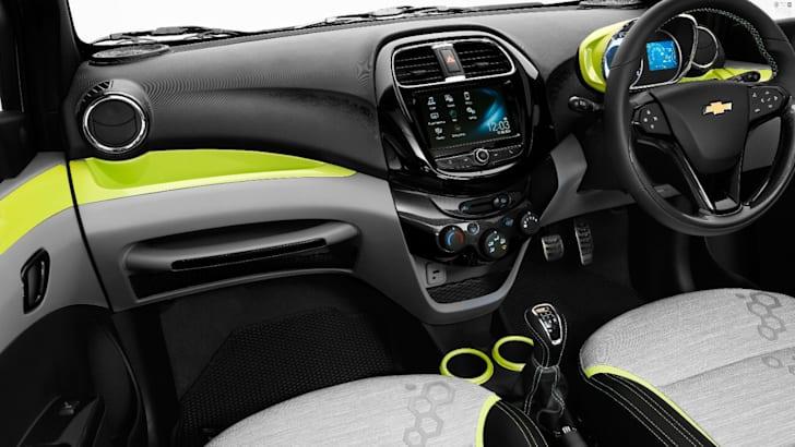 2017-Chevrolet-Essentia-Activ-12