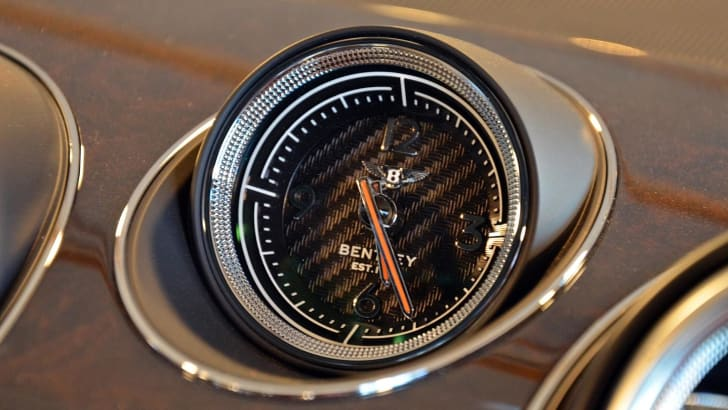 standard watch Bentley Bentayga