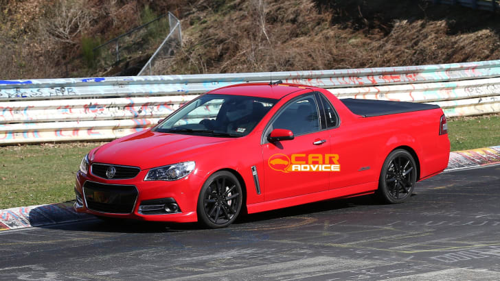 Holden-VF-Commodore-Ute-SS-2