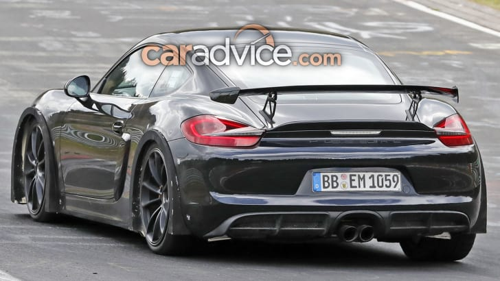 porsche-718-cayman-gt4-spy-11-rear