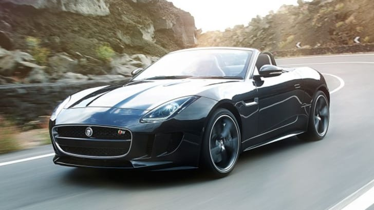2014-Jaguar-F-Type-front-view-in-motion-623x389