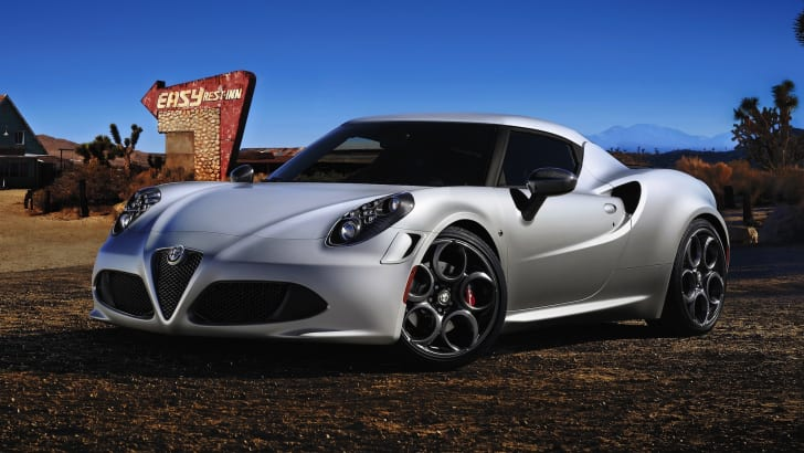 Alfa-Romeo-4C-launch-edition-front-side1