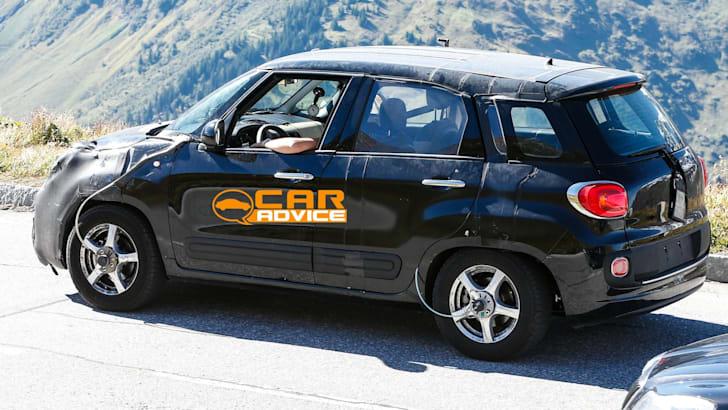 Jeep sub-compact SUV Mule 4