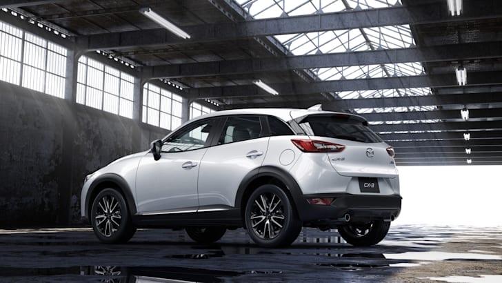 2015-Mazda-CX3-08