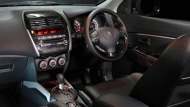 peugeot_4008_interior