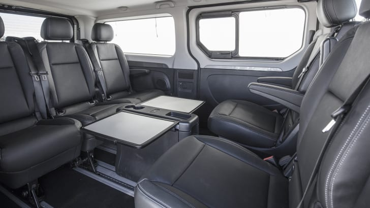 renault-trafic-spaceclass-seats-3