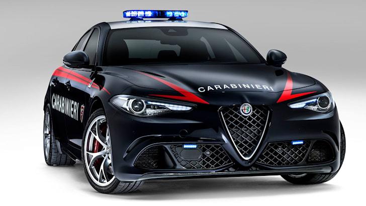 alfa-romeo-giulia-quadrifoglio-carabinieri-front