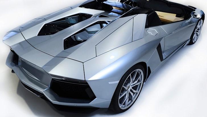 Lamborghini Aventador LP700-4 Roadster - 2