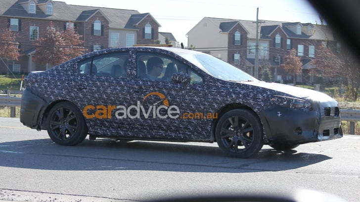 2016_subaru_impreza_sedan_spy-photos_02a