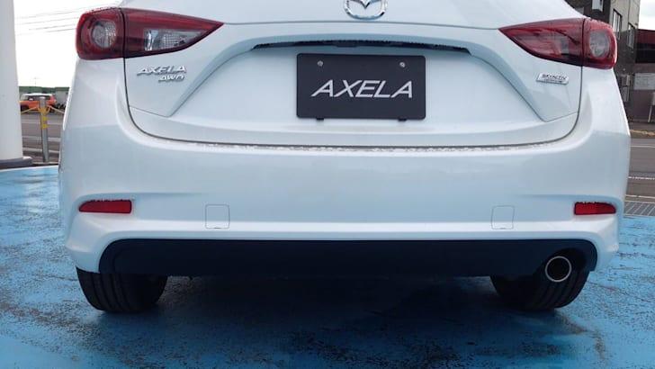 2016-Mazda-Axela-Mazda3-spyshot_02