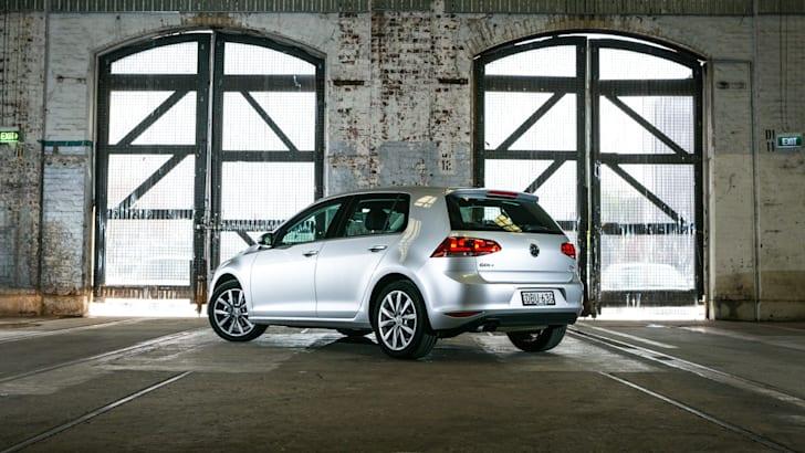 2016 Small Hatch Comparison Mazda 3 SP25 Astina V Volkswagen Golf 110TSI Highline V Hyundai i30 SR Premium-63