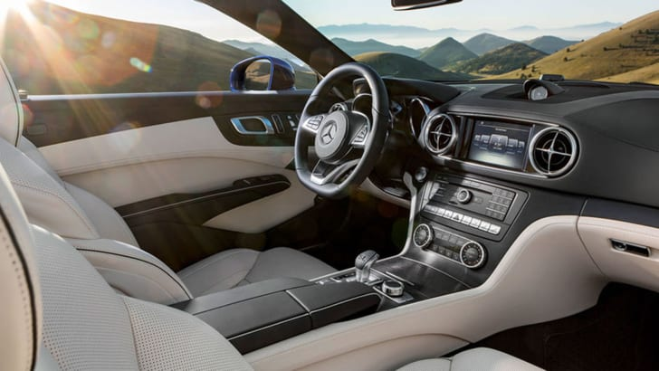 mercedes-benz-sl-facelift-leak-interior