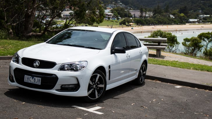 2016-holden-commodore-sv6-black-edition-17