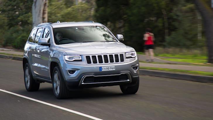 2016-jeep-grand-cherokee-volkswagen-touareg-comparison-61