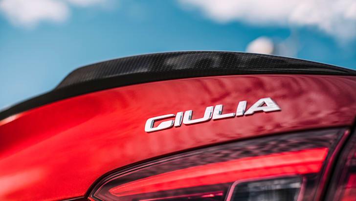 2017-alfa-giulia-detail