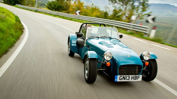 caterham-seven-160-road