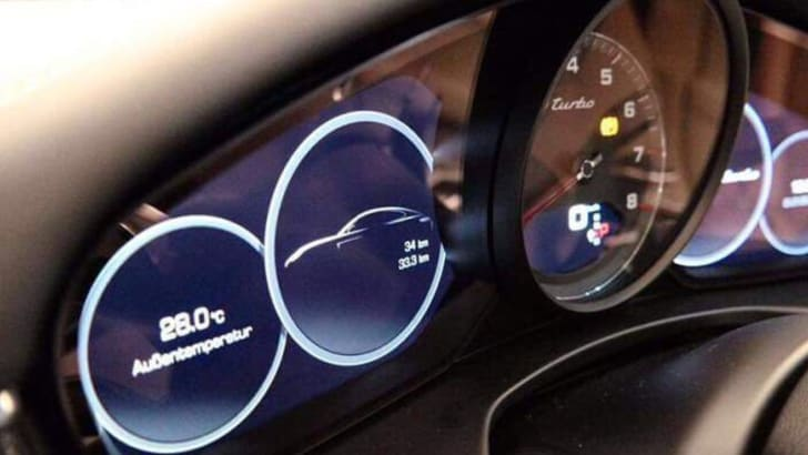 porsche-panamera-turbo-leak-instruments