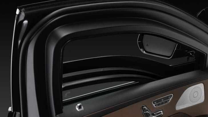 Mercedes-Benz S600 Guard windows