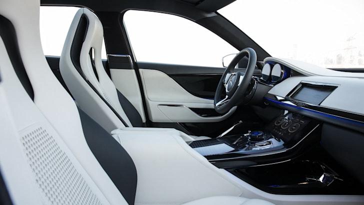 Jaguar C-X17 concept-8
