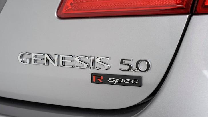 Hyundai Genesis Sedan - 3