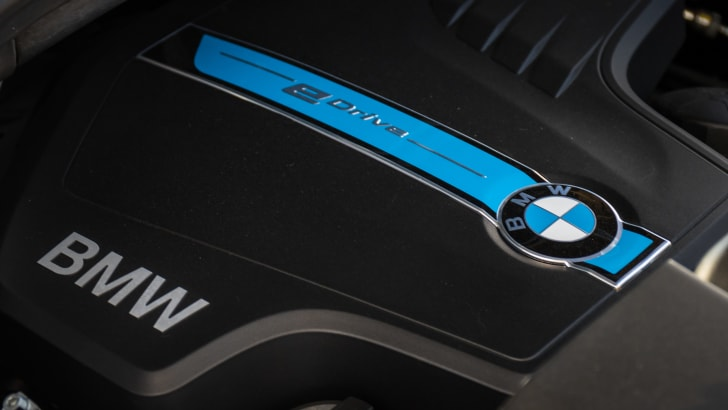 2016-bmw-x5-xdrive40e-hybrid-launch-jw-15