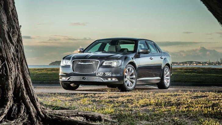 2015-Chrysler-300C-24