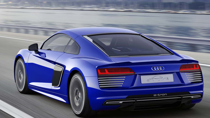 audi-r8-piloted-driving-rear